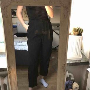 Fräscha och knappt använda kostymbyxor från monki! Tar swish (köparen står för frakten) 🌻😍