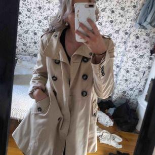 Helt underbar kappa säljes då jag aldrig använder den. Köpare står för frakt