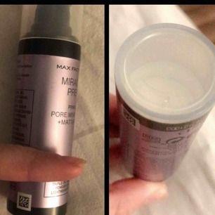Miracle prep primer. Pore minimising + mattifying.   Väldigt lätt och tunn formula som är till för att minimera porer och göra huden mattare utan att torka ut.  Använt ca 1/4e del (tom nerifrån och upp dit jag håller fingret). Nypris ca 140kr.