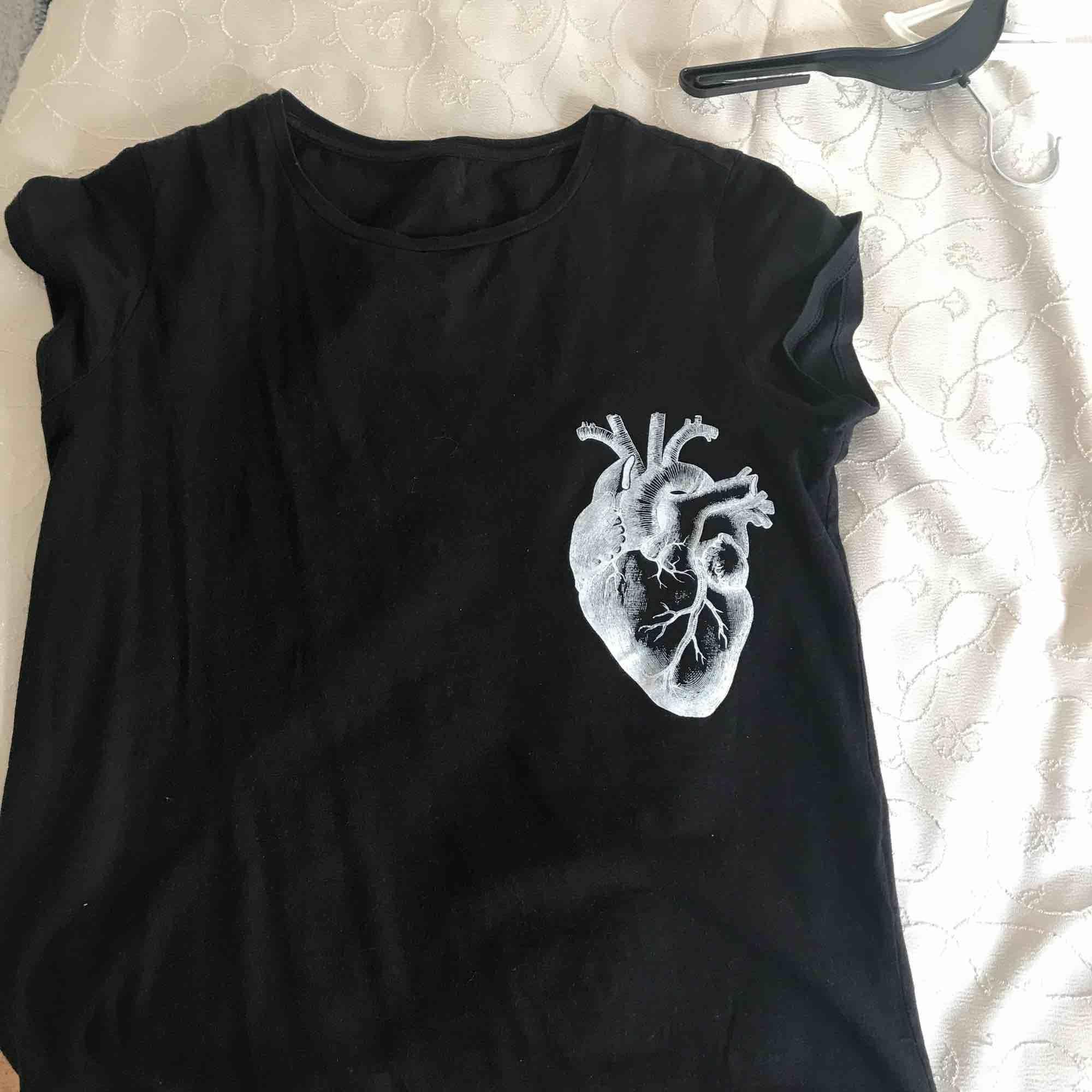 Tshirt från lager 167, priset kan alltid diskuteras är öppen för allt. T-shirts.