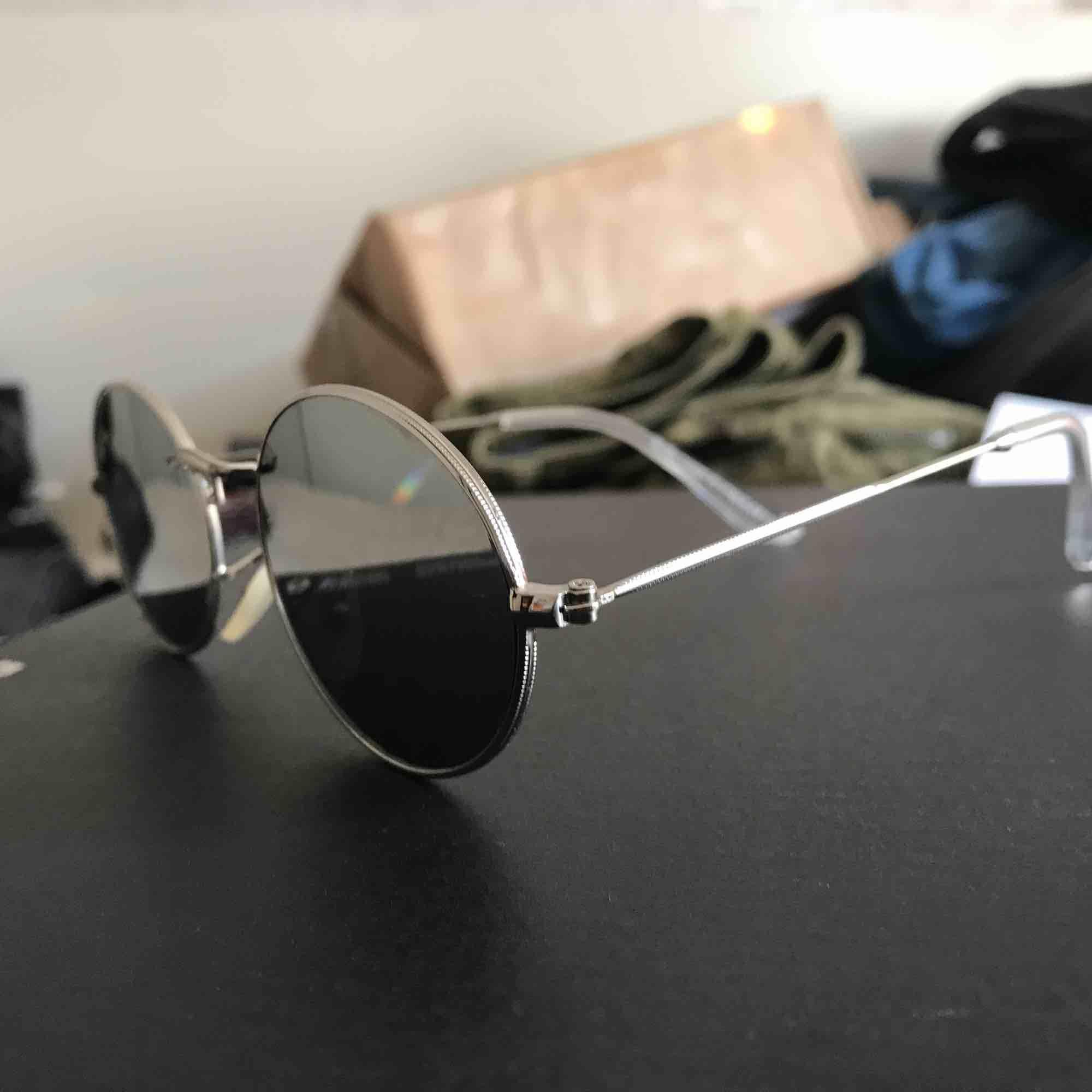 Fins solgalsögon endast använda 2 gånger. Priset går alltid att diskutera. Accessoarer.