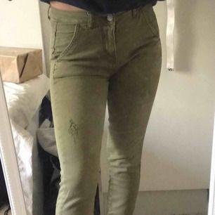 Fina gröna byxor från Gina. Kan skicka fler bilder och priset går alltid att diskutera