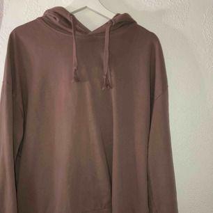 Grå/lila hoodie från lager 157, använd ett fåtal gånger.