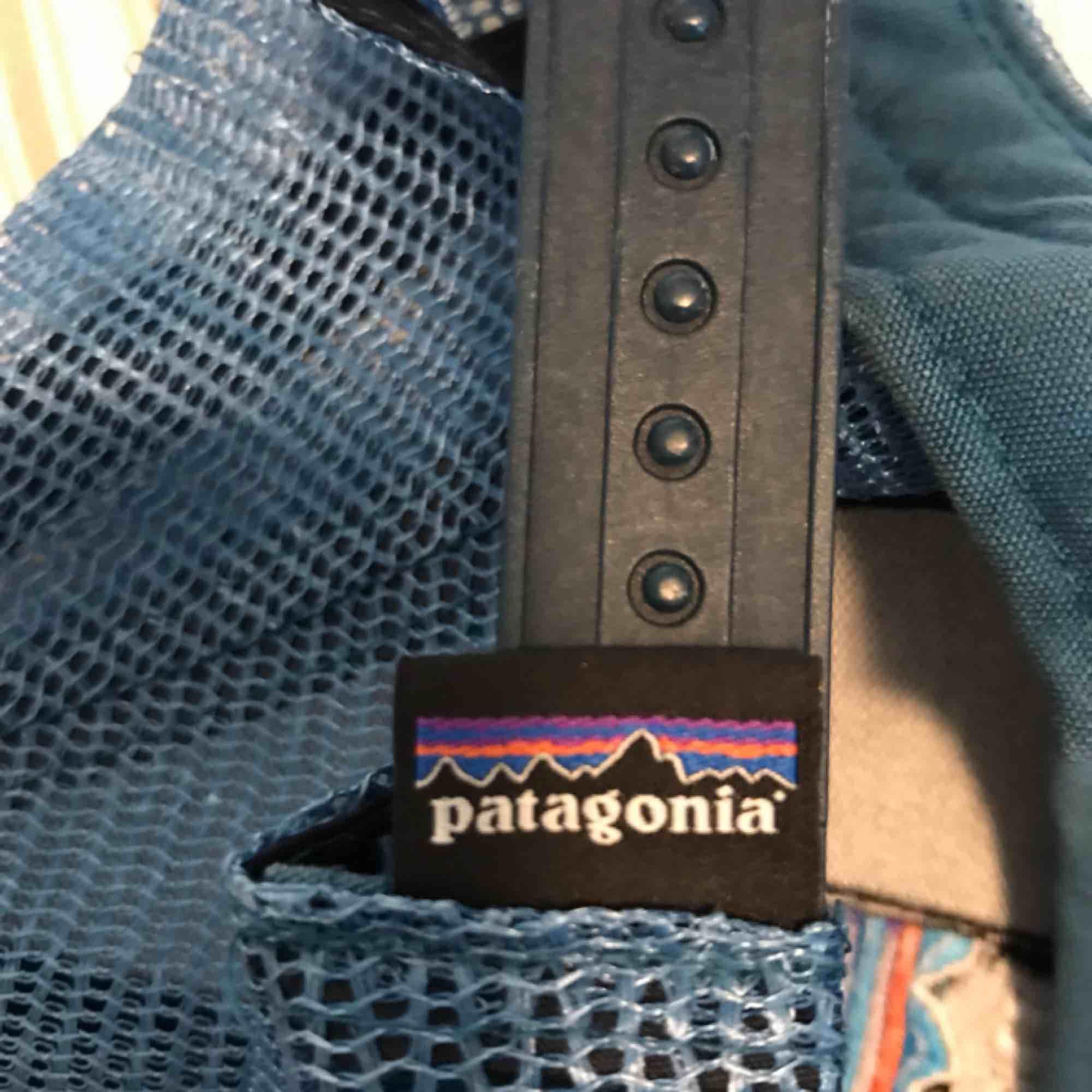 Patagonia keps 100kr bra skick köpt för 500kr. Accessoarer.