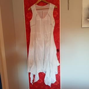 Vit klänning vintage stories kappahl stl.40  Sparsamt använd
