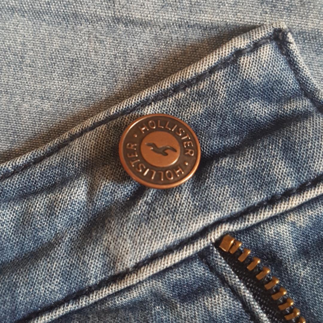 Highrise-jeans från Hollister som är superstretchiga och verkligen följer kroppens form!. Jeans & Byxor.
