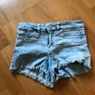 Shorts från h&m. Säljs pga för små, använda fåtal gånger.
