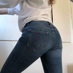 Jeans från zara. Croppade och lite utsvängda nertill