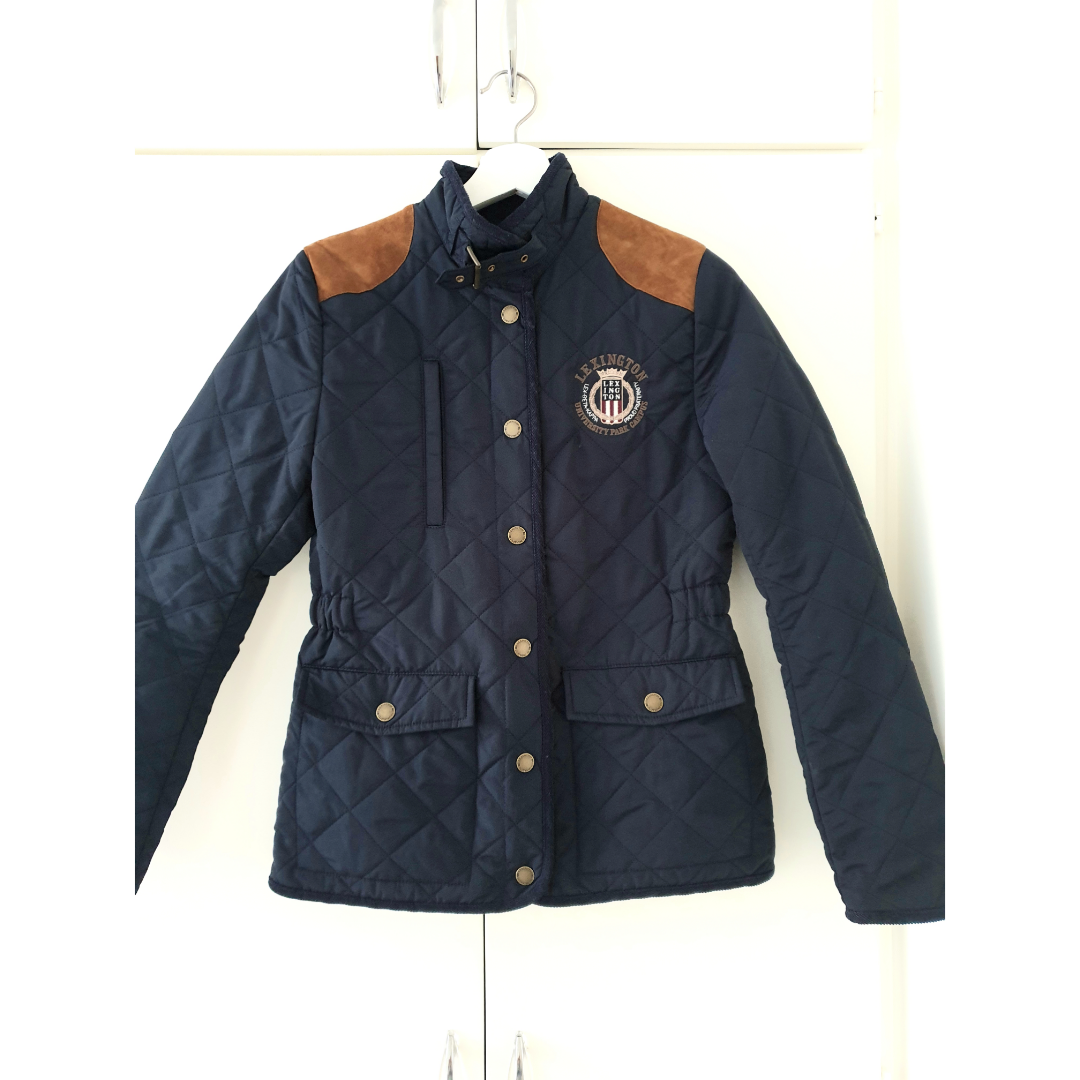 Dark Blue Lexington Jacket. Have only used it twice. Condition is new! Size S. Feel free to try it own before making any decisions :). Jackor.