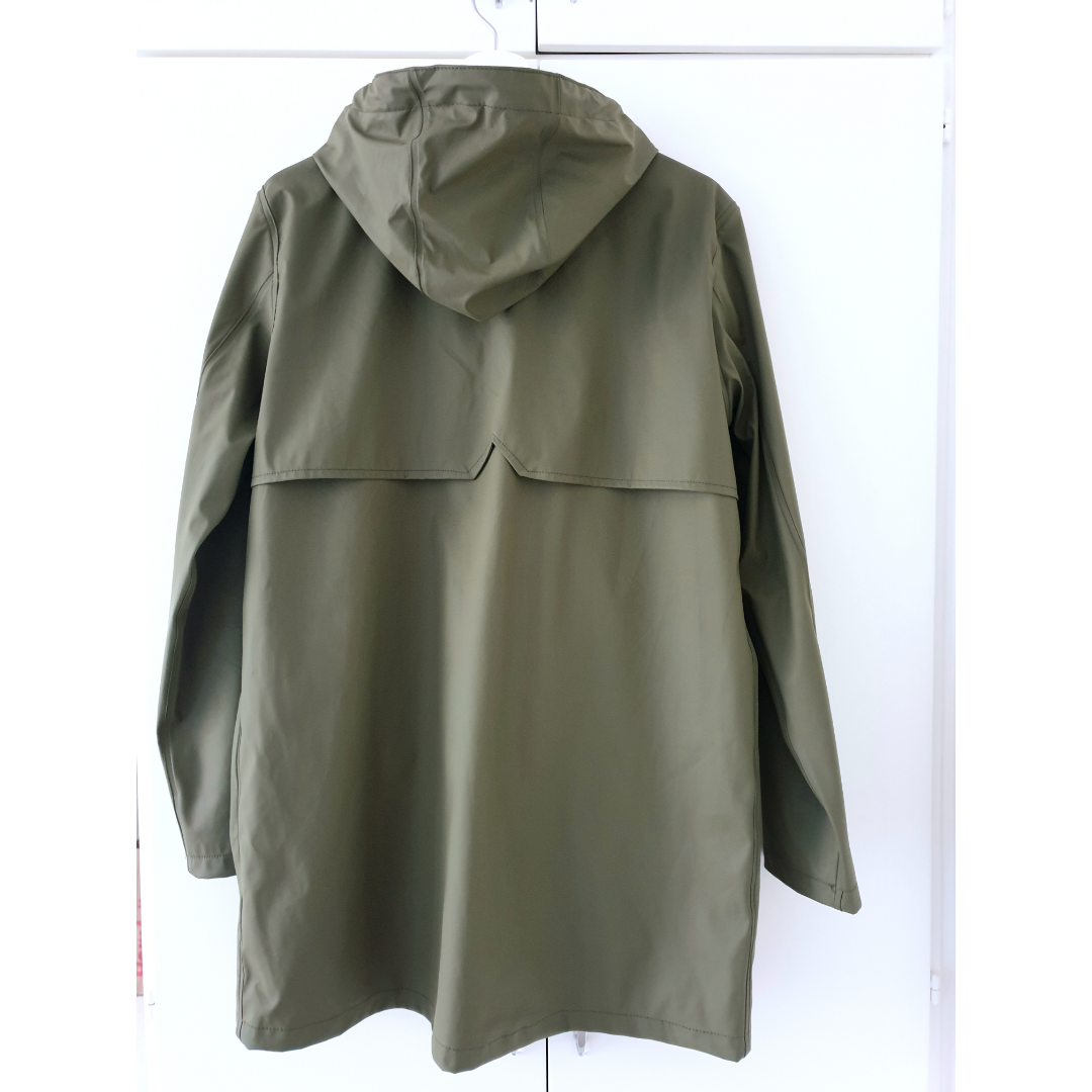 Cubus rain jacket, army green color. Haven't been used much, condition is new. Size S. Jackor.