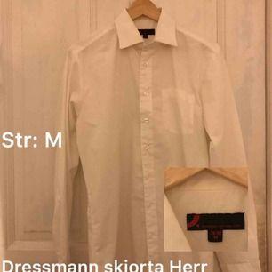 Dressmann skjorta   Str: M