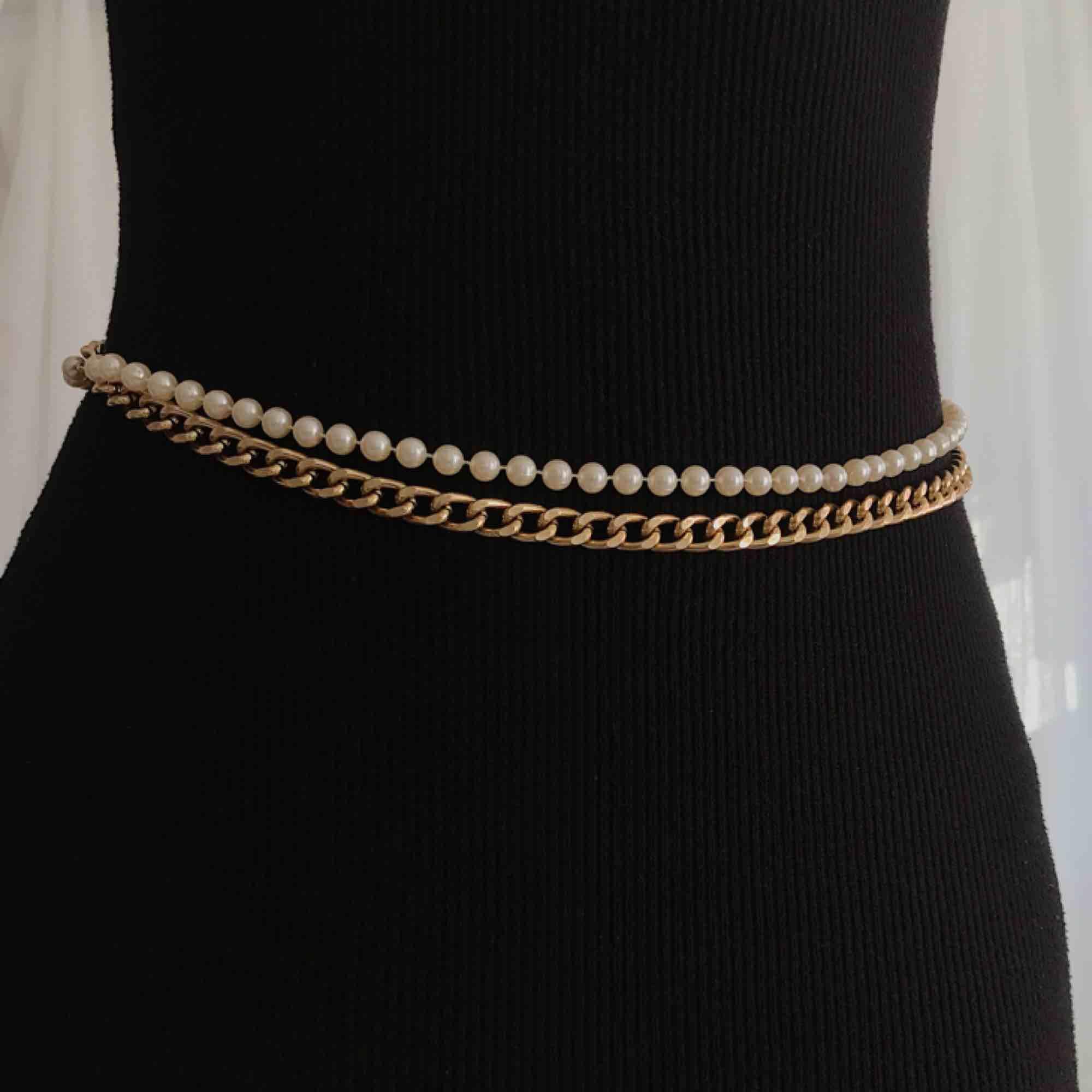 Pärlor med guld kedja bälte ✨ 80 cm lång. Frakt 15kr. Accessoarer.