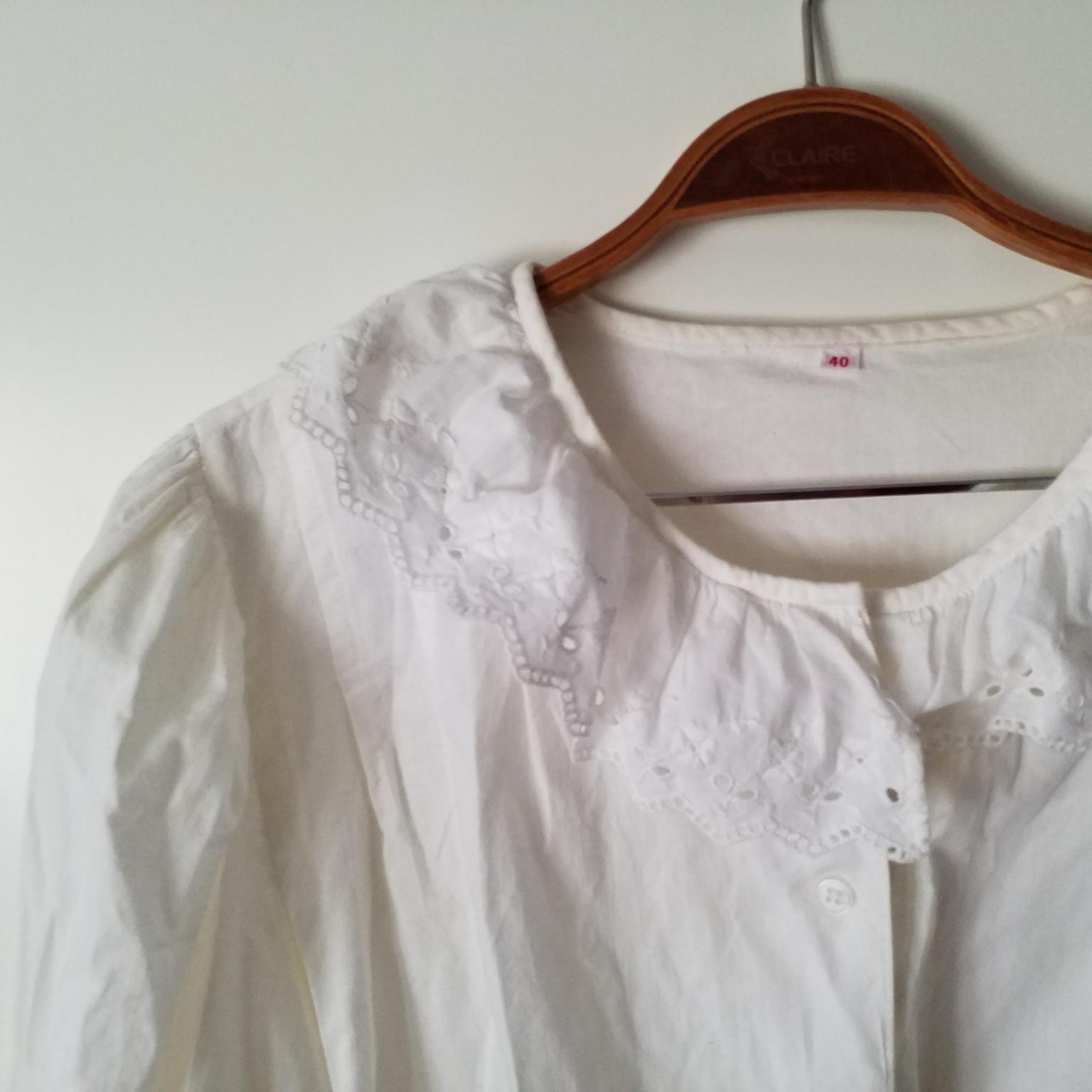 Jättefin vintageskjorta med spetsdetaljer. Blusar.
