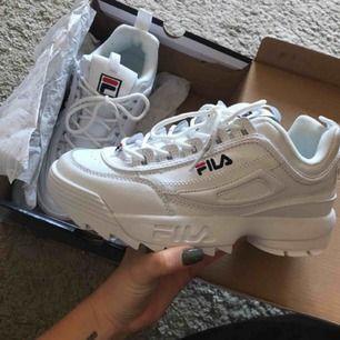Super snygga fila skor, helt oanvända, köpta från Zalando, tyvärr var dom för små för mig:(