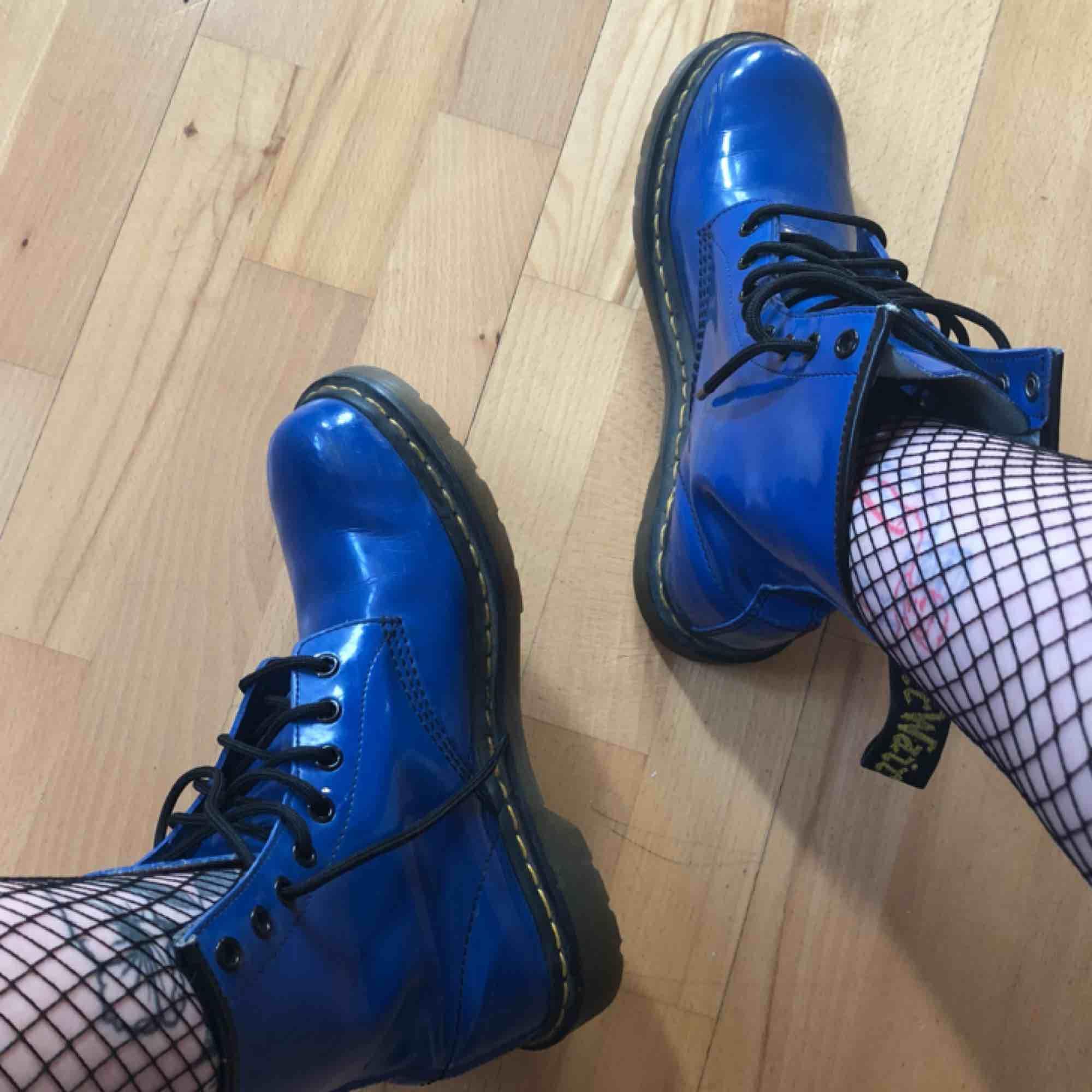 Riktigt balla docs. Köpte tyvärr för stor storlek. Använda ett par gånger men de är inte helt ingångna än tyvärr. . Skor.