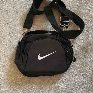 Nike väska mini jättesöt!