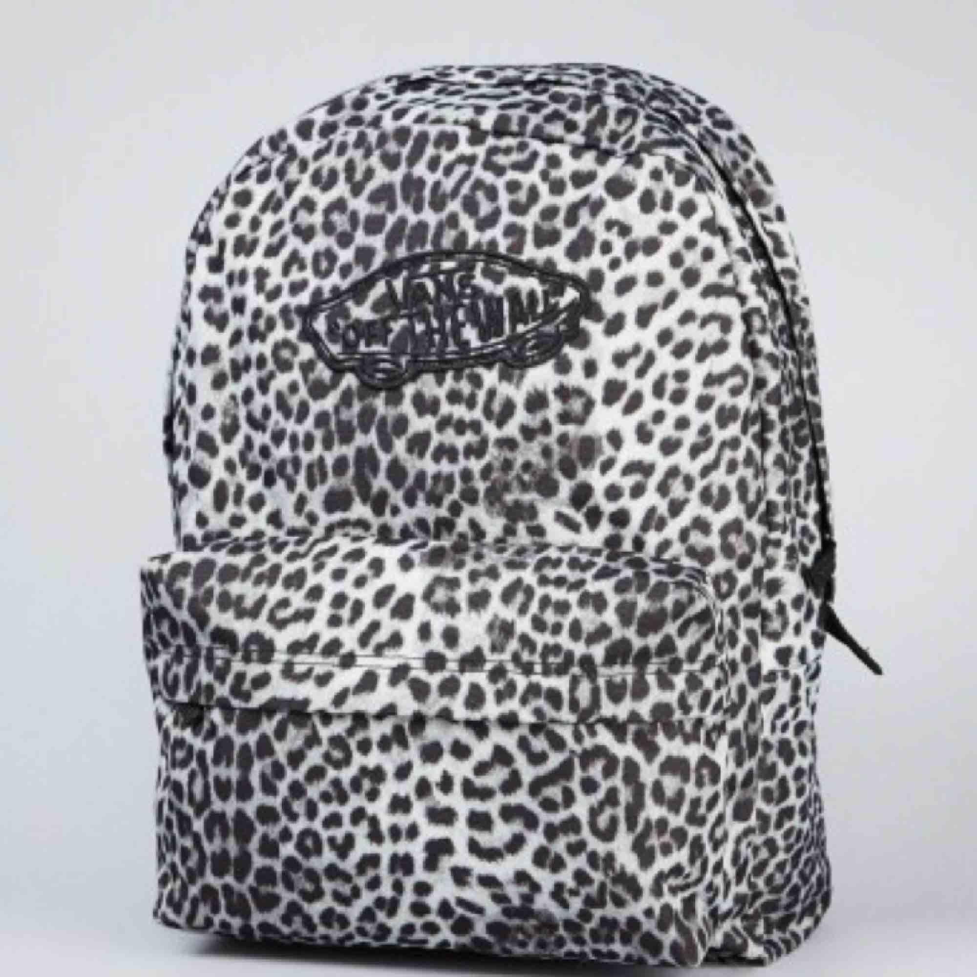 f3ad1fb2d26 Superb taske fra varevogne. Forsendelsen er tilføjet. Oprindelig pris  omkring 300-400 SEK ...
