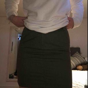 Grön kjol ifrån en spansk butik