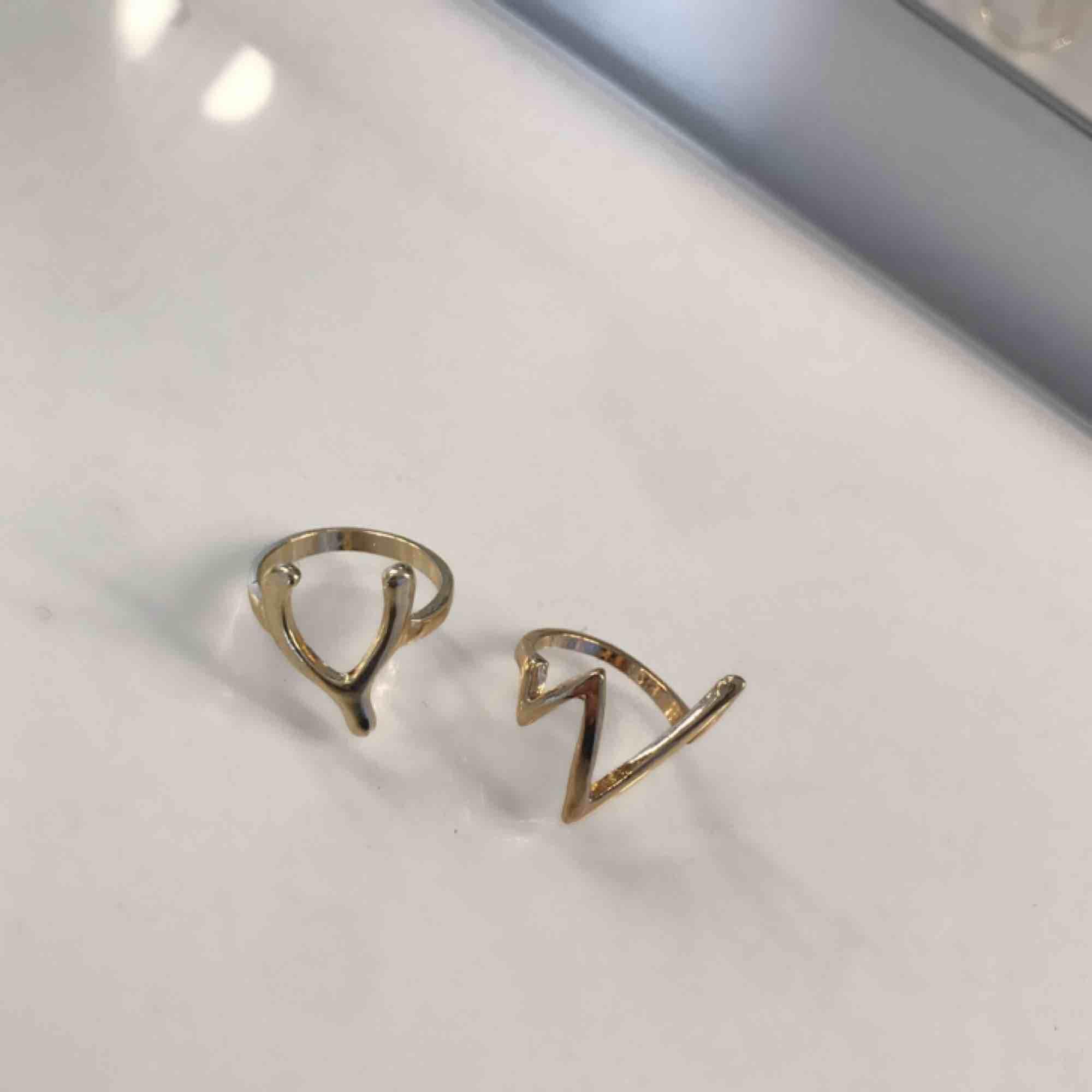 Helt nya guldiga ringar !. Accessoarer.