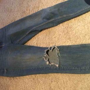 Skit snygga jeans från Gina ( leah) har använt ett par gånger men tycke själv inte de är min stil längre , 140kr + frakt kan prutas vid snabba köp