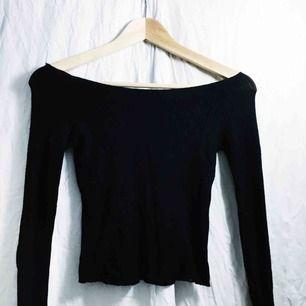 Svart off shoulder tröja från Brandy Melville