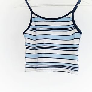 Superfint randigt linne från Bikbok. Frakt tillkommer på 18 kr 💓