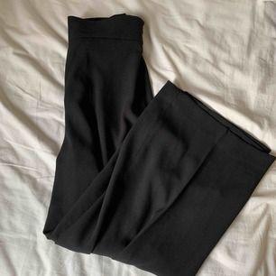 Oanvända kostymbyxor från zara. Ordinarie pris 600kr.