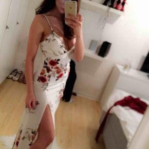 Fin Sommar klänning ! Från affingos Använt 1 ggn  Köparen står för frakten 57 kr