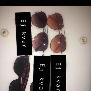 30kr styck för snygga solglasögon. Alla från HM förutom en som är köpt i Grekland. Alla är hela och knappt oanvända! Står ej för frakten <3