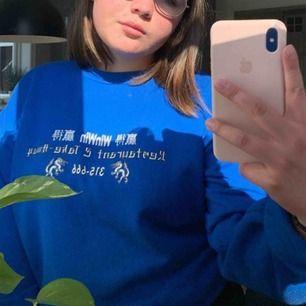 Blå sweater från carlings, använd max tre gånger och köpt för 400kr ❣️