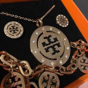 Rose gold tory burch set( armband, halsband och örhängen) rostfritt stål och hypoallergenic