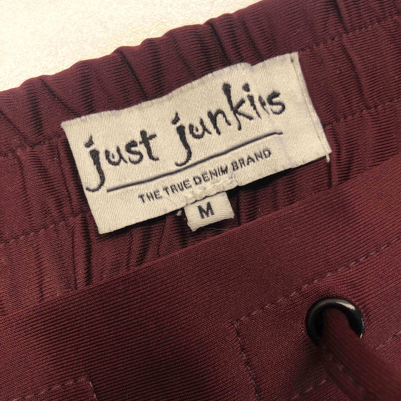 Byxor med lite stretch. M. . Jeans & Byxor.