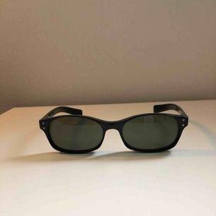 Säljer dessa Solglasögon från D&G, Perfekta för sommaren 👍🏻. Allt är ingår och är i bra skick