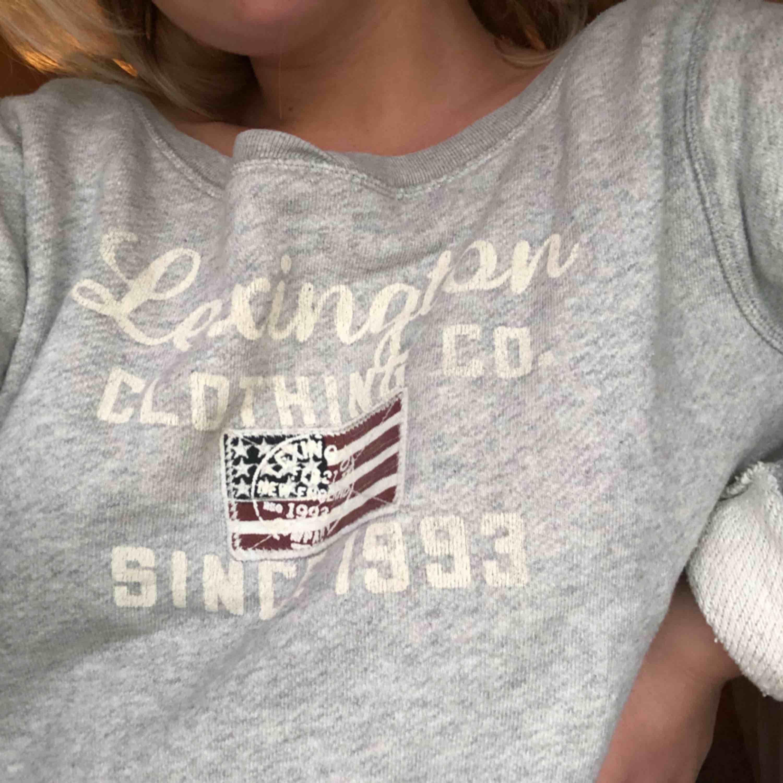 Lexington sweater storlek S.  Använd fåtal gånger, så fint skick!   Frakt tillkommer 🌸. Tröjor & Koftor.