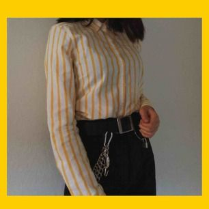 såå gullig skjorta som tyvärr inte är min stil, och har då aldrig använts :(. frakten är redan inräknat 💛
