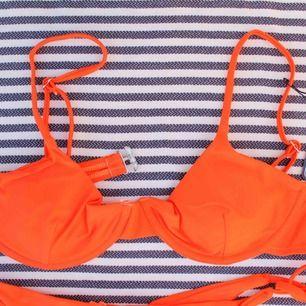 Orange bikini med bygel 🧡 199 + 39kr frakt