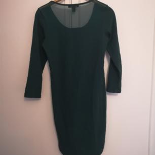 Superfin grön klänning Storlek 40 30kr