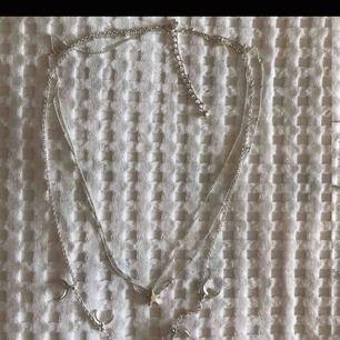Inte mina bilder men skicket är perfekt, aldrig använt halsbandet. Köpare står för frakt.