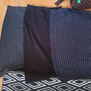 Three monki skirts. Knee length & high waist. 50kr each :)) Colors: Gray, Black, Striped white / blue