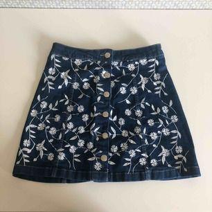 Jätte söt kjol från parisian