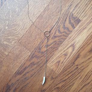 Halsband, oanvänd. Frakt betalas av köparen