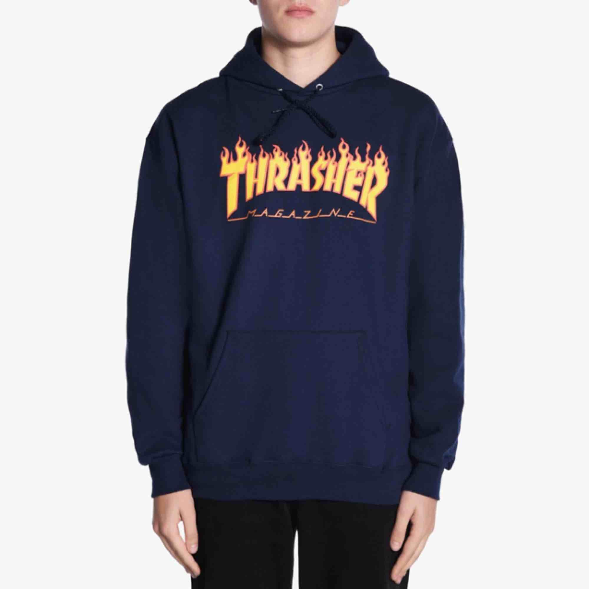 Thrasher hoodie i stolek M Använd 5 gånger kanske Frakt tillkommer  äkta!!. Huvtröjor & Träningströjor.