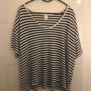 Oversized tröja från H&M, super skön och flowy!