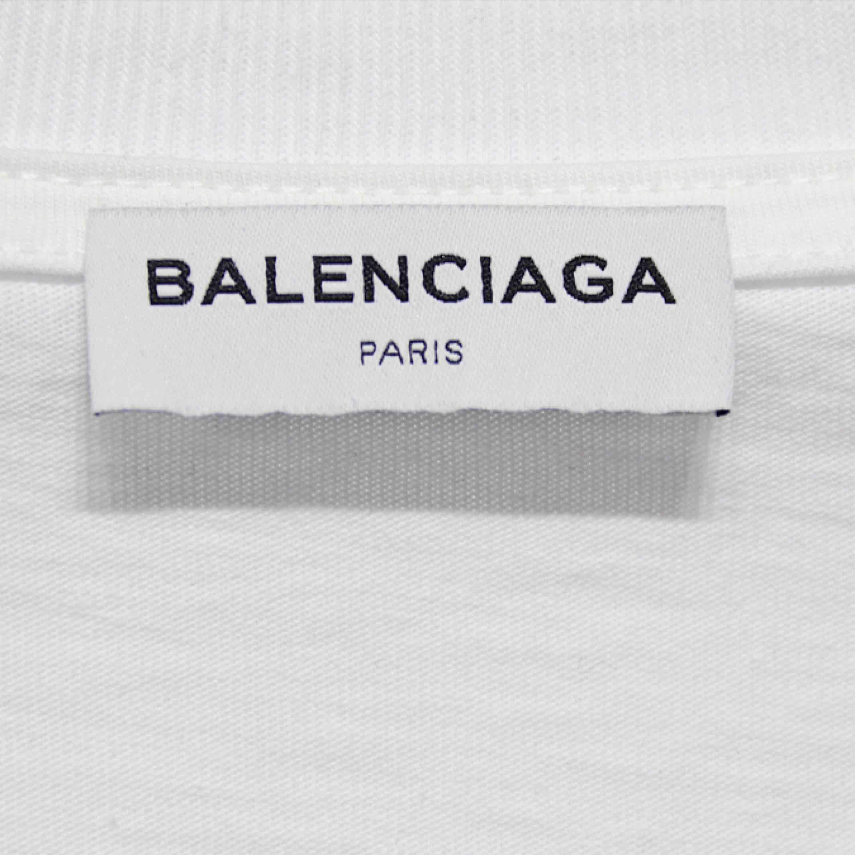 Hejsan säljer denna Balenciaga t-shirten. Finns i alla storlekar:) Finns även i flera färger.. T-shirts.