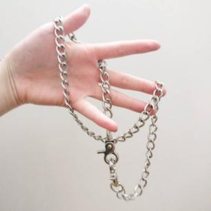 Kedja i riktigt bra tyngre kvalité! ⛓️ 🖤  I mycket bra skick!! Går även att stylas som halsband 🦇  Fri frakt 💌