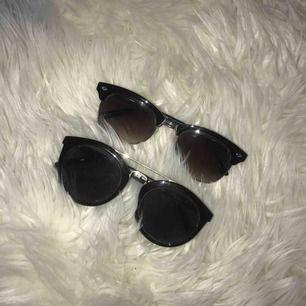 Två par solglasögon. Nästan aldrig använt. Frakt tas vid köp.