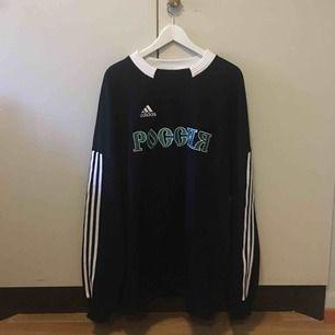 Gosha Rubchinskiy sweatshirt (kopia) säljes. Nyskick då den aldrig blev använd. Det står S på tröjan men den är egentligen XL. FRI FRAKT