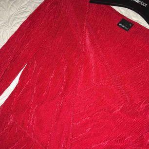 Helt ny klänning från gina, storlek xs, pris 100+ frakt
