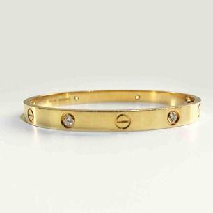 Cartier armband- replika. Väl använd med endast lite slitage. Storlek-S