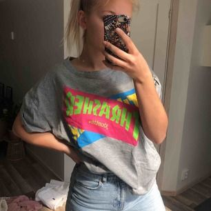 Oanvänd t-shirt, 20 kr frakt 🌞